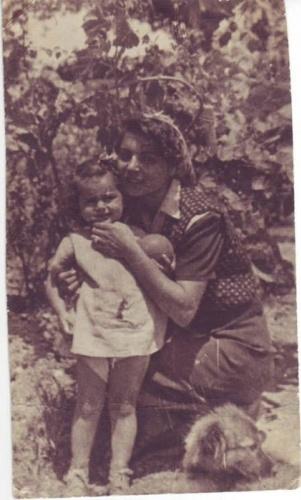 Mehmet Akif Ersoy'un torunları Ferda ve Selma hanım