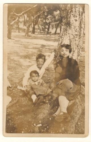 Mehmet Akif Ersoy,'un kızı Suad hanım oğlu Tahir bey ve torunu Ferda hanım