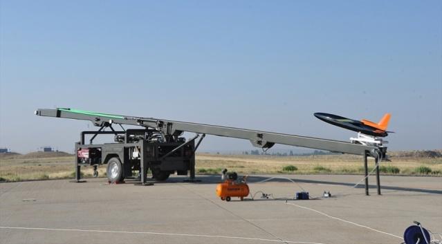 TUSAŞ tarafından geliştirilen Şimşek Yüksek Hızlı Hedef Uçak Sistemi, Kazakistan'daki Askeri İşbirliği-2019 atışlı tatbikatında hedef uçak olarak kullanılacak