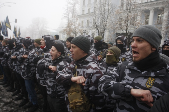 Ukrayna'nın başkenti Kiev'de aşırı sağcı grup sokaklara indi