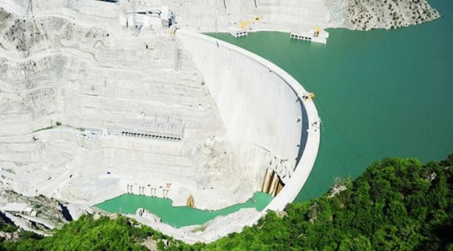 Barajlar, geçmişten günümüze insanlığın su ihtiyacını karşılamak, elektrik enerjisi üretmek ve tarımsal alanların sulanması için inşa edilen su yapılarıdır. Ülkemizdeki modern barajlar stratejik öneme sahiplerdir.