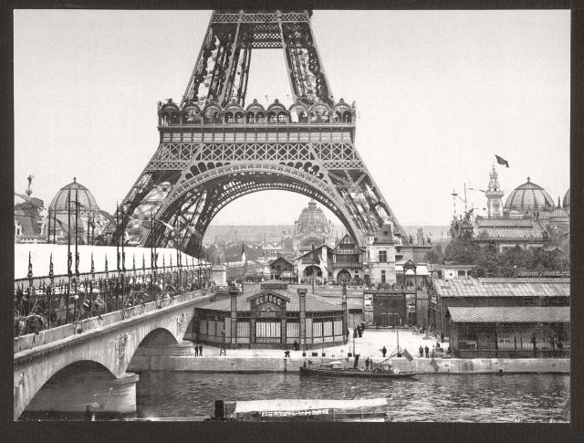 Fransız sömürge imparatorluğu, 19. ve 20. yüzyılda Britanya İmparatorluğu'nun ardından dünyanın ikinci büyük sömürge imparatorluğu.
