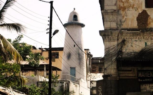 Afrika'nın en eski camilerinden Başeyh Camii.  Kaynak: Mecra