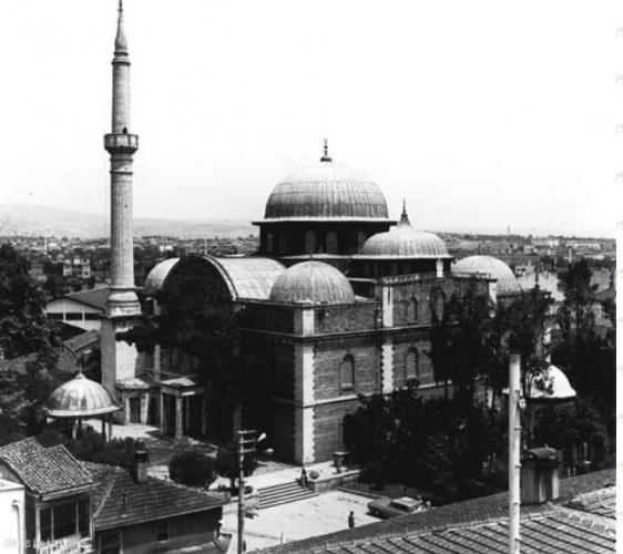 Akif'in halkı İstiklâl Savaşına davet ettiği vaazları ile ünlü Balıkesir Zagnospaşa Camii