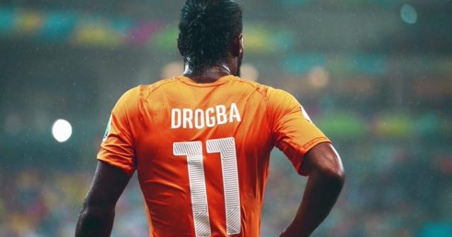 Bir dönem Galatasaray'da da top koşturan ünlü futbolcu Didier Drogba, ülkesi Fildişi Sahili'nde Futbol Federasyonu Başkanlığı'na aday oldu. Drogba, başkanlık seçimine giren dört adaydan biri.