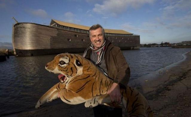 Hollandalı milyoner Johan Huibers, dört yıl önce 1 milyon sterlin olan Ark'ı inşa etti.