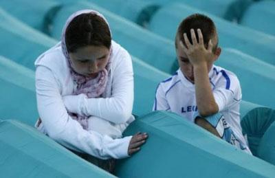 Srebrenitsa'dan yürek yakan görüntüler
