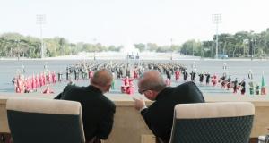 Bakü'de görkemli kutlama törenleri