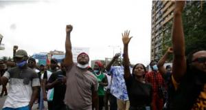 Nijerya polisine karşı protestolar 19 eyalete dağıldı