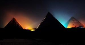 Tarihin göğe yükselen anıtları: Piramitler