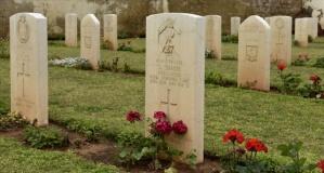 2. Abdülhamid'in eseri 'İngiliz Mezarlığı'ndaki silinen izler gün yüzüne çıktı