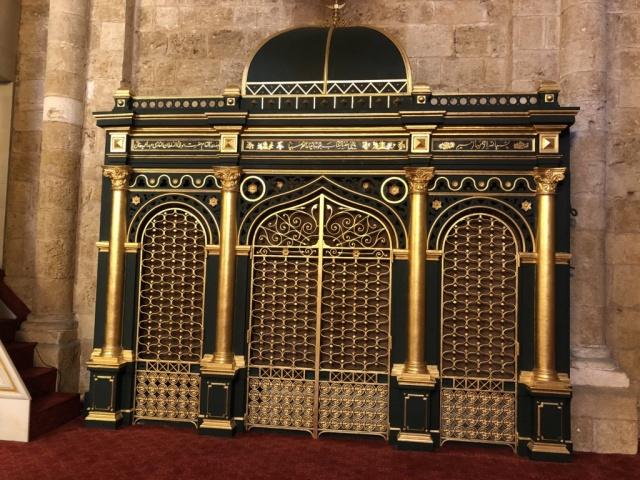 Lübnan- Beyrut'ta Ömerî Cami-i Şerîfinde 1305/1887-88 Tarihinde Sultan II. Abdülhamid Hân tarafından tecdid edilen/ yenilenen Hz. Yahya (A.S) Makâmı.