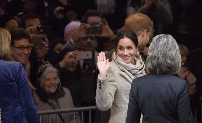 İngiltere'de kraliyet çiftinin evlerine yapılan harcamaya tepki