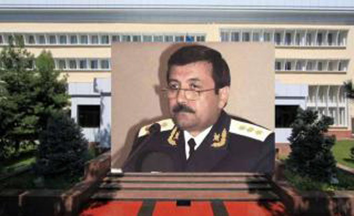 Özbekistan'da eski başsavcıya 10 yıl hapis