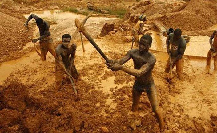 Gana'da maden ocağında göçük: 12 ölü