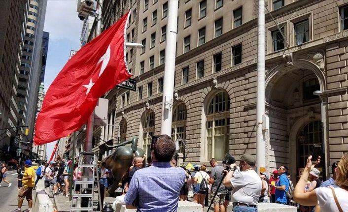 New York'ta gönderine Türk bayrağı çekilen bir Osmanlı mahallesi