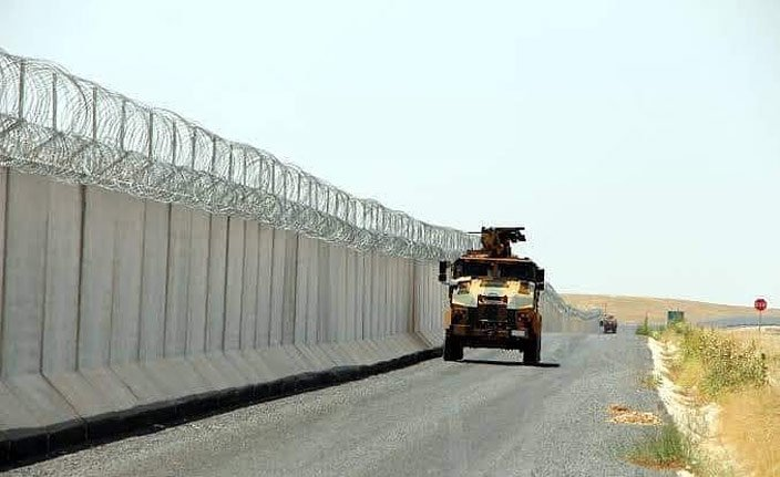 Türkiye sınırındaki PKK/YPG işgalindeki Tel Abyad'da gergin bekleyiş