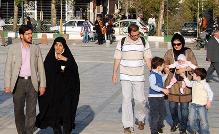 İran'daki boşanmaların yarısından çoğu uyuşturucu yüzünden