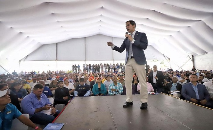 Kendini başkan ilan eden Guaido erken seçimlere katılmayacak