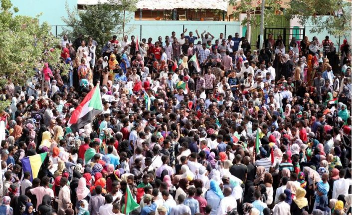 Sudan'da otorite krizi 'resmen' bitti