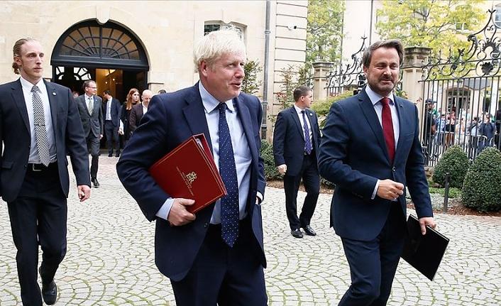 İngiltere Başbakanı Johnson tepkiler üzerine kürsüye çıkmadı