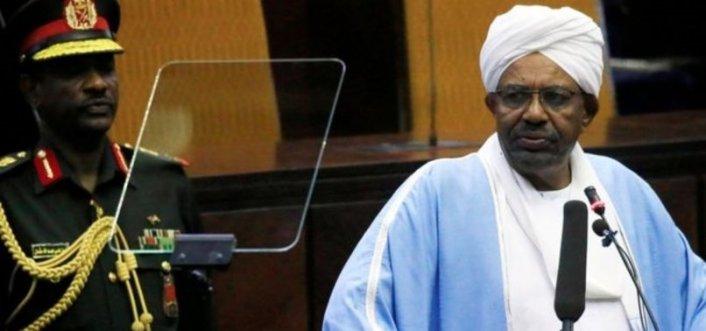 Sudan'da el-Beşir'in duruşması ertelendi