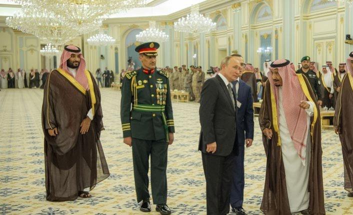 Putin Selman'la görüşmek için Suudi Arabistan'a gitti