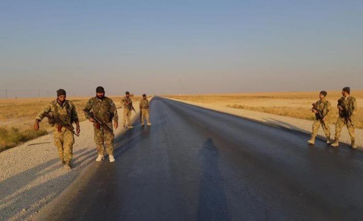Suriye Milli Ordusu askerleri  M4'te