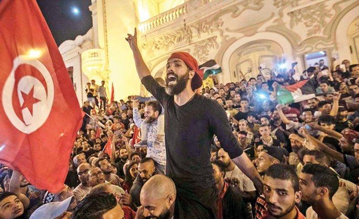 Tunus seçimleri bölge için yeni ilham kaynağı