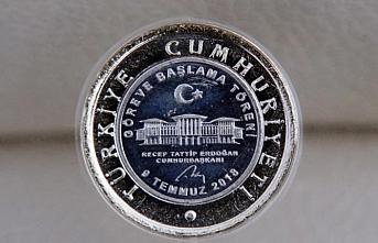 Cumhurbaşkanı Hükümet Sistemi anısına madeni para bastırıldı