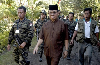 Duterte, Morolara kapsamlı özerklik yasasını onayladı