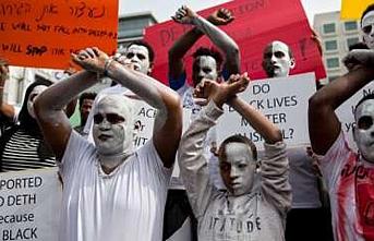 Eritreli ve Sudanlı mülteciler İsrail hükümetinin göçmen politikasına tepkili