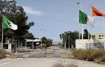Fas-Cezayir arasındaki sınır açılsın eylemi