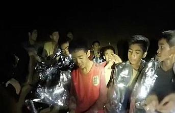 Mağarada mahsur kalan 12 çocuk için mutlu son
