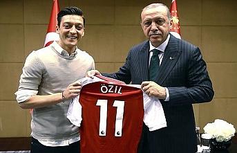 Mesut Özil ırkçılık yüzünden Alman milli takımını bıraktı