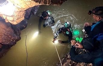 Tayland'da nefesler 9 kişi için tutuldu