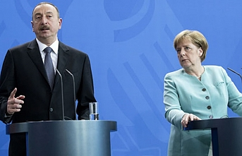 Angela Merkel doğalgaz için Bakü'ye gidiyor