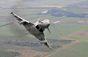 İngiliz savaş uçağından Rus uçağına önleme