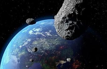 Keops Piramidi büyüklüğündeki astroit dünyaya yaklaşıyor
