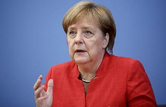 Merkel'den Almanya'daki ırkçı gösterilere tepki