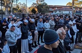 Müslümanlar Avustralya için yağmur duasına çıktı
