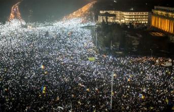 Romanya'daki protestolarda yüzlerce kişi yaralandı