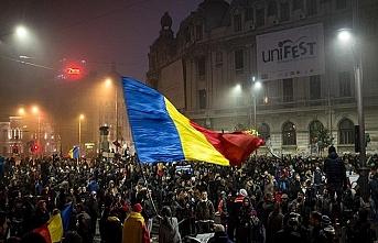 Romanya'da halkın öfkesi sürüyor