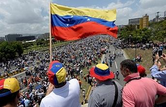 Venezuela'da olanlara sessiz kalan UNASUR'a tepki