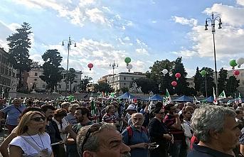 İtalya'da büyük miting