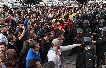 Katalonya sokakları yeniden hareketleniyor