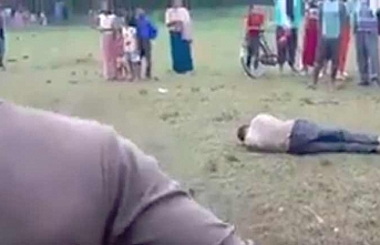 Müslüman lincini seyreden polis açığa alındı