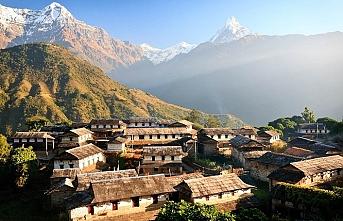 Nepal'de helikopter kazası, 5 ölü