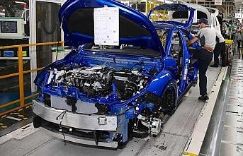 Rus otomobil üreticileri, Türkiye'yle ticarette dolardan vazgeçti