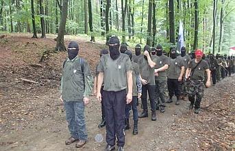 Slovenya'da ırkçı grup sınıra yürüdü